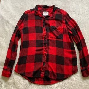 Black and red Arizona jean co. Plaid flannel